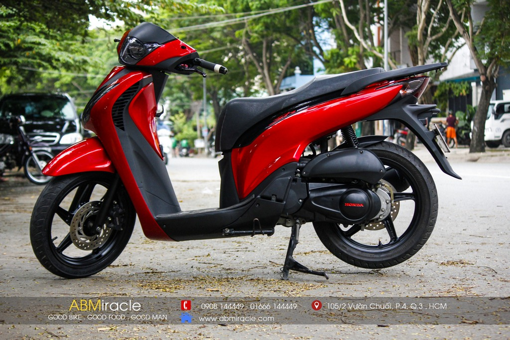 Honda SH 150i CANDY RED