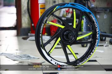Honda SH 150i Wheels NEON TWIST